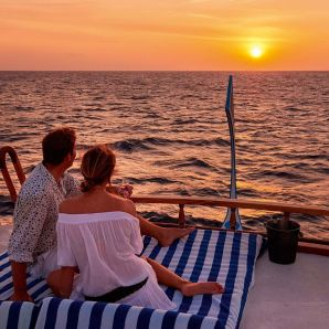 Valtiot/Malediivit/2020/luksus/Halaveli-couple-sunset-cruise