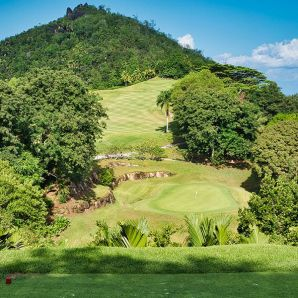Valtiot/Seychellit/lemuria-golf-par-3-from-tee-box-k
