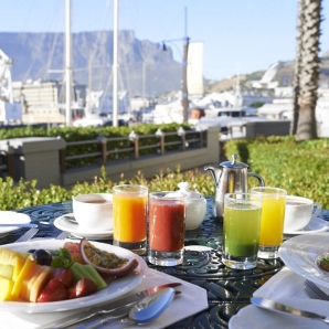 monien-nautintojen-ea-luksus/Capetown_Table-Bay-Hotel-5